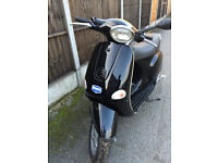 Piaggio Vespa ET4 125cc (Black) 2004 good condition