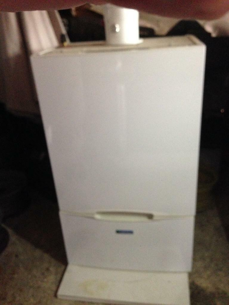 Halstead Eden cx32 gas combi A rated Boiler with delonghi radiators, valves and flu