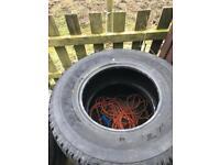 Bridge stone 4x4 tyre like new 255/70/16 hat