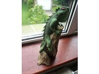 For Sale a lovely painted Carved Iguana on Wooden Mount COLLECTIBLE RARE?
