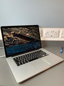MacBook Pro Mid - 2015, 15 inch, 16 GB RAM, 256 GB SSD, Intel Iris Pro