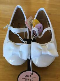 Brand New Girls shoes size 5