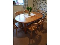 Pine Dining Room Table & 6 Chairs