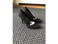 New look size 4 high heels
