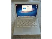 Apple MacBook 4,1 (13.3 inch A1181 Early 2008) w/ Software bundle,charger, lead, & excellent battery