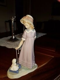 Girl with Wagon - retired Piece Lladro