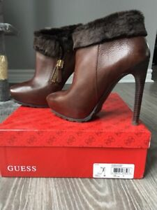 GUESS GWIVORIE Leather Heeled Boots