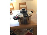 Tefal Pressure cooker Clipso 4. Never used, excellent condition