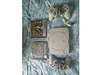 PS1 Playstation 1, 2 controllers + 2 classic games + accessories!