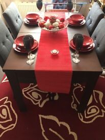 Dining table with 4 gray fabric chairs