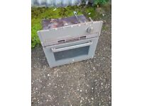 Caravan oven cooker
