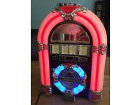 NEW MINI JUKEBOX USB,CD,RADIO, COLOUR CHANGING LIGHTS