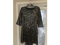 Woman's dress size 16