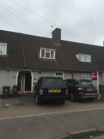 ***AN IMMACULATE BRAND NEW 4 BEDROOM HOUSE READY TO MOVE IN DAGENHAM,(RM10)