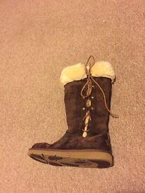 Woman's Ugg sheepskin boots size 5