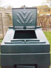 Large Garden Storage / Coal Bunker