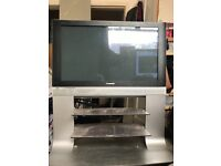 Tv on stand - no hdmi port - £10