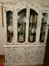 Shabby wall cabinet