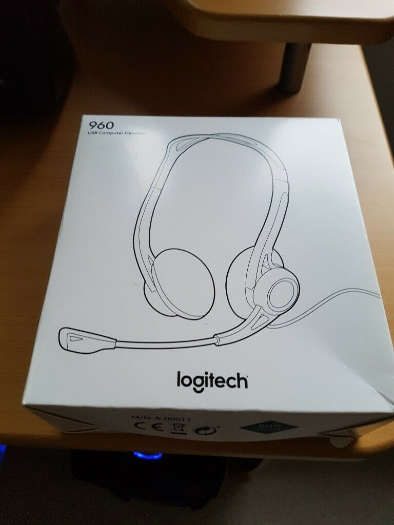 Brand new Logitech 960 USB headphones  728c46e582