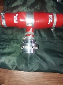 Dumpvalve with samco hoses in red