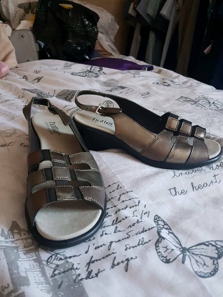 Ladies shoes. New without tags. Size 5.5. Hucknall £8