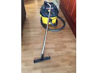 Dust extractors ( heavy duty vacuum cleaner)