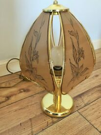 Light shade, Great lamp, Good condition, Style vintage. Gold color high: 43 cm
