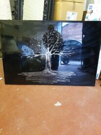 BLACK MIRROR WITH GLITTER TREE PICTURE