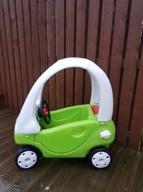 Little tykes cozy coupe green & white