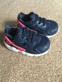 Nike huaraches infants size 4.5