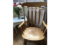 SUPER BLONDE ROCKING CHAIR WITH FLAT SPINDLES FLAT SPINDLES FOR ADDED COMFORT