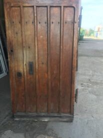 Superb large 5 plank Oak door reclaimed from a grade ll listed building c1600