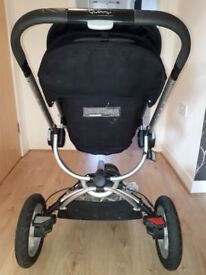 Quinny Buzz pram with carry cot