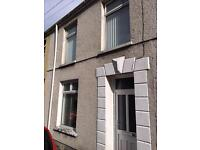 3 bedroom terraced house for rent near Town centre.