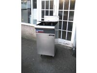 Catering Blue Seal Vee -Ray GT46 fryer gas LPG with gas safe certificate.