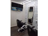 BARBER SHOP WITH 5 BARBING CHAIRS AVAILABLE FOR RENT IN THE HEART OF LEICESTER BUSINESS CENTRE.