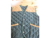 NEW no tags Men's Size L Italian green quilted sleeveless bodywarmer jacket with smart suede trims