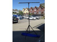 2.5m maximum height lighting stand for 6 lanterns including carrying bag