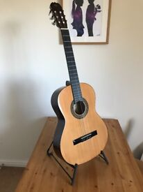 Manuel Velazquez Guitar - brand new! - incl backpack & stand