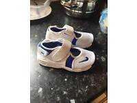 Toddler trainers size 8.5