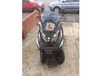 ***Piaggio MP3 125, learner legal, very comfortable, lots of storage space***