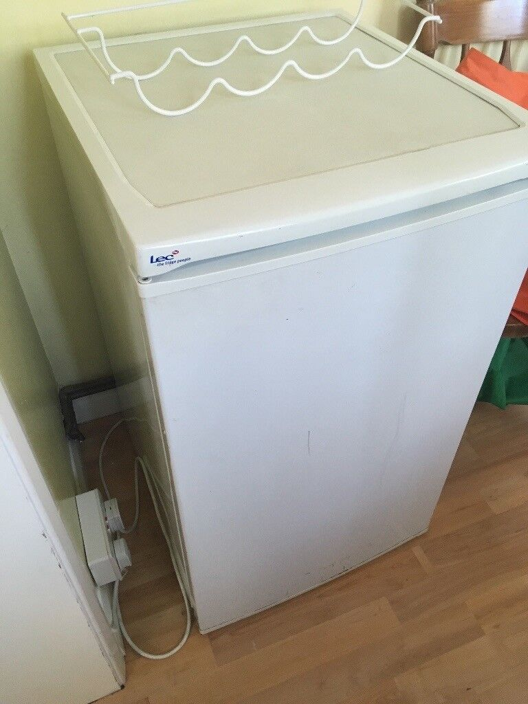 LEC undercounter fridge