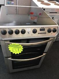 HOTPOINT 60CM CEROMIC TOP ELECTRIC COOKER IN LIGHT SILIVER
