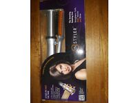 INSTYLER AMAZING ROTATING IRON - STRAIGHTENS, CURLS, & ADDS VOLUME AND SHINE