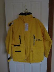 Expedition Quality Parka with zip-in fleece jacket. Yellow outer, navy fleece. Unisex L size.