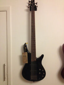 Bargain !!! Ibanez SR305 bass guitar in perfect condition, rarely used