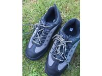 Working boots size 9. completely new in original packaging