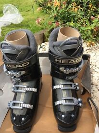 Women's HEAD edge ski boots. black ice. Size 6