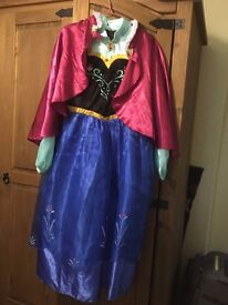 Disney or Tu Fancy Dress Age 11-12, plus Halloween/Witch costumes. 4 different available £7 each.