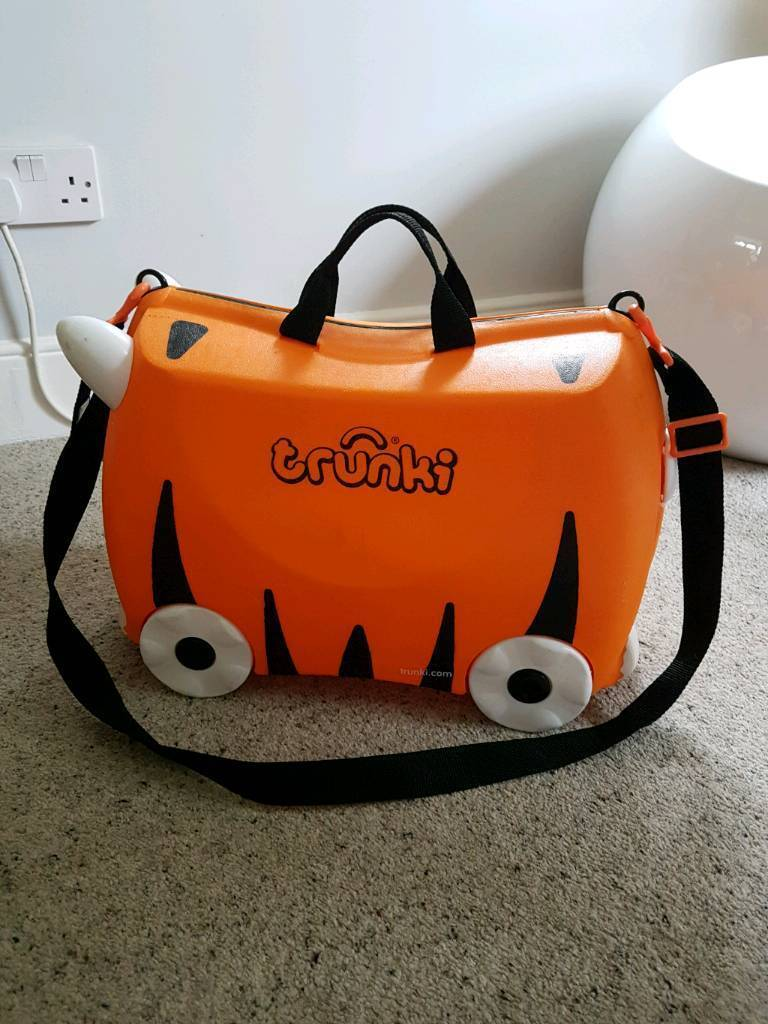 Tiger orange Trunki ride on kids suitcase EXCELLENT CONDITION